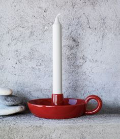 Here is my favourite pick from Galtons of Parnell (and with Galtons there is a lot of good stuff to choose from!): the Hoganas candle stick holder in red. Diy Air Dry Clay, Diy Clay, Clay Crafts, Ceramic Painting, Ceramic Art, Design Blog, Red Design, Ceramic Candle Holders, Red Candles