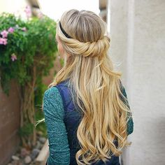 WEBSTA @ fashionistaoverdose - Inspiração de penteado lindo e prático de fazer! Uma graça! O que acharam, meninas!?? ✨ #readytogo....#hair #cabelo #cabelos #cabelotop #cabelosdivos #cabeloliso #cabelonovo #cabelolongo #ombrehair #ombre #ombrehairstyle #cabeloloiro #loiro #loira #loiras #louro #loiroplatinado #loiros #loirão #instahair #cabeloslindos #cabelolindo #hairdo #penteado #penteados