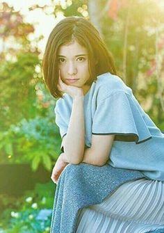 松岡茉優 Mayu Matsuoka Japanese actress Japan Girl, Female Poses, International Film Festival, Asian Woman, Cool Girl, Pin Up, Girl Fashion, Actresses, Lady