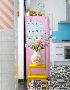 🌟Tante S!fr@ loves this📌🌟 Decor, Home Decor Inspiration, Fridge Decor, Interior, Pastel Home Decor, Apartment Makeover, Pink Smeg Fridge, Furniture Stores Nyc, Happy House