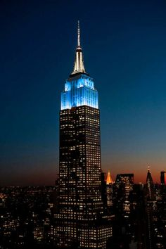 Even the Empire State Building got into the act.  Last night, they lit the fabled building with Dodger Blue in honor of Jackie Robinson Day.  Pic via EmpireStateBldg on twitter.