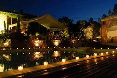 Cómo iluminar una fiesta en simples pasos  ¿Te gustaría organizar una fiesta y ser el anfitrión perfecto? Pues sigue leyendo.... En nuestro artículo te mostraremos muchos ejemplos, consejos y trucos para una iluminación de eventos sin igual. ¡Ya no tienes excusa para no organizar una fiesta en tu casa en invierno o disfrutando del aire libre en el jardín en días cálidos! LEER MAS: http://www.enchufix.com/blog/097_como-iluminar-una-fiesta