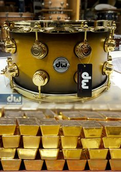 AZTEC-GOLD-TO-BLACK-BURST-WITH-GOLD-BARS. #dwdrums