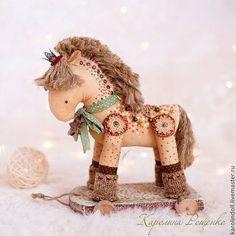 Ароматизированные куклы ручной работы. Ярмарка Мастеров - ручная работа. Купить Праздничная лошадка. Handmade. Морская волна, лошадка на колесиках