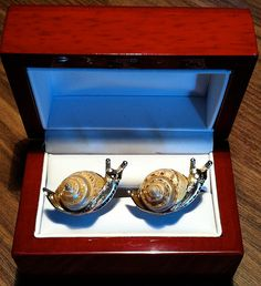 RARE Stunning Original Vintage SWANK Arts of the World Snail Cufflinks