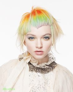 Such beautiful and elegant rainbow hair! Creative Hairstyles, Cool Hairstyles, Hair And Makeup Artist, Hair Makeup, Pelo Guay, Color Fantasia, Coiffure Hair, Foto Fashion, Corte Y Color