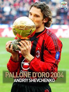 13 dicembre 2004, Andriy Shevchenko conquista il pallone d'oro ..