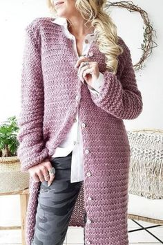 A wide selection of beautiful knitwear and cardigans - fall in love with our famous knits. Comfy mohair, soft cotton, stylish merino and luxurious cashmere - our knitwear selection offers wonderful options for every occasion. Maxi Cardigan, Natural Linen, Street Style Women, Knitwear, Knit Crochet, Cashmere, Sweaters, Cardigans, Knitting