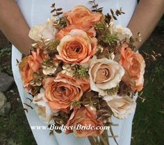 Apricot, Gold and Beige Wedding Flowers. Love these colors!