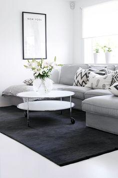 Soft grey sofa and dark grey rug - Living Room - My White house
