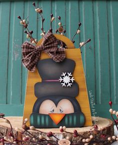 Pintura Country, Christmas Decorations, Christmas Ornaments, Holiday Decor, Manualidades Halloween, Diy Upcycling, Country Paintings, Cute Penguins, Animal Books