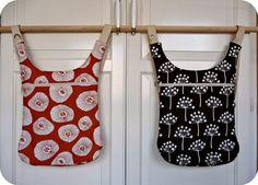 Bolsos convertibles en mochila confeccionados con tela de algodón de la colección Echo de Lotta Jansdotter.