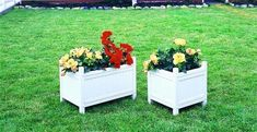 Vinyl White Outdoor Planter from DutchCrafters Amish Furniture. Available in two sizes, our Amish White Vinyl Outdoor Planter will brighten any outdoor space with your favorite flowers blooming from it. #planterboxes #raised #porch #deck #patio #outdoor #large #small