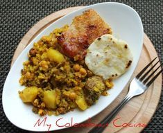 This is my very easy version of this delicious meal where all the flavour is concentrated in the technique of slow cooking. Colombian Food, Colombian Recipes, Pork Recipes, Cooking Recipes, Main Dishes, Side Dishes, Southern Recipes, Southern Food, Latin Food