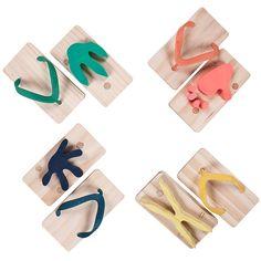 Ashiato Animal Footprint Sandals - Zaurus