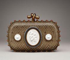 Bottega Veneta célèbre les 250 ans de KPM