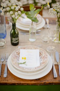 natural table setting // photo by Piteira Photography