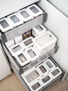 GastroMax Orthex - Dry food keepers Kitchen Pantry Storage, Kitchen Organization, Organizing, Kitchen Furniture, Kitchen Decor, Small Room Bedroom, Small Rooms, Bedroom Ideas, Sofa Side Table