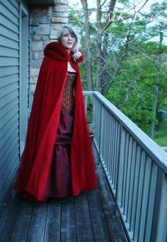 Cape de velours - hotte - conte de fées adulte Costume - chaperon rouge taillés en fausse fourrure-Custom sur commande