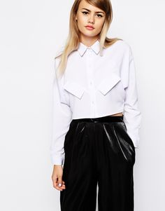 The pockets and neckline are excellent - crop top part I have to reconsider having given birth a month ago!