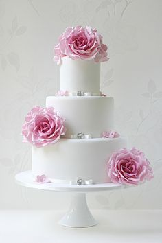 Romantic Designs from Leslea Matsis Cakes - Gent & Beauty