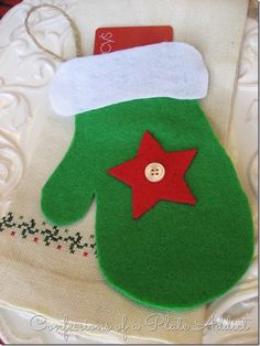 CONFESSIONS OF A PLATE ADDICT 3-in-1 No-Sew Christmas Ornament/ Utensil Pocket/ Gift Card Holder