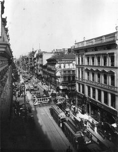 Leipziger Straße at corner of Friedrichstraße in Berlin, looking to the east, 1907.