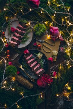 Christmas Cake : Chocolate And Coffee Cake With Raspberry Swiss Meringue
