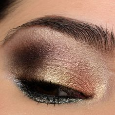 Here's a look using the Too Faced Chocolate Gold palette! How To Do Eyeshadow, Eyeshadow Tips, Blending Eyeshadow, How To Apply Eyeliner, Colorful Eyeshadow, Eyeshadows, Eyeshadow Tutorials, Makeup Tutorials, Lipsticks