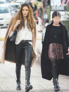 δεσποινα βανδη στυλ - Αναζήτηση Google Leather Skirt, Sequin Skirt, Sequins, Street Style, Womens Fashion, Google, Casual, Skirts, Outfits