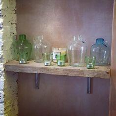 Beautiful display of La Soufflerie products at Summerill & Bishop. Love that they are using the Lyonnais Quinquet as tea lights!   #lasoufflerie #lasoufflerieparis #handblownglass #verresoufflé #artisan #artisansofinstagram #handmade #faitmain #handmadeinfrance #faitmainenfrance #recycledglass #craft #glass #jug #candles #tealight #multipurpose #multifunctional #shelfie #display #boutique #homedecor #homestyling #decor #deco #instalove #supportsmallbusiness #weloveourclients…