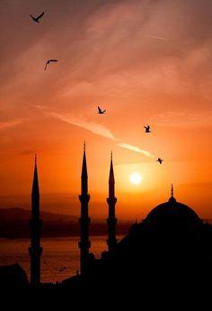 Ahmet krtl. .Bir şehre sevdalanmak