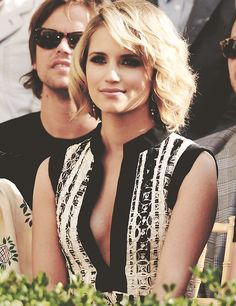 Dianna Agron.. love her she is so pretty