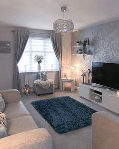Looking for grey living room ideas? The amazing versatility of grey in home decor is what makes him the most popular. Front Room Decor, Decor Home Living Room, Cozy Living Rooms, Living Room Grey, Apartment Living, Living Room Designs, Decor Room, Wall Decor, Living Room Color Schemes