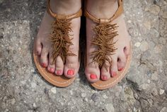DIY fringe sandals! If only I was going to Coachella...