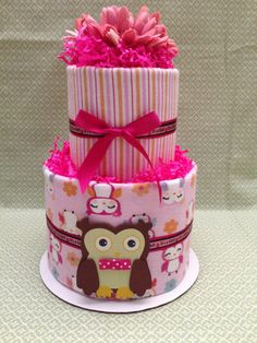 Owl Two Tier Diaper Cake for Baby Shower door MrsHeckelDiaperCakes