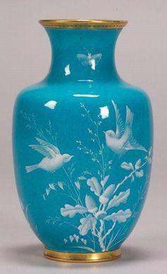 Fine Porcelain China Diane Japan Value Porcelain Jewelry, Fine Porcelain, Porcelain Ceramics, Ceramic Art, Porcelain Tiles, China Dinnerware Sets, Vase Design, Décor Antique, Painted Vases