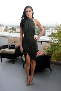 Rumer Willis is stunning in this curve hugging dress.