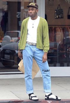 Tyler, the creator- not really that indie anymore but still obscene enough to be in the category Tyler The Creator Fashion, Tyler The Creator Outfits, Streetwear Mode, Streetwear Fashion, Cheap Streetwear, Tyler The Creator Wallpaper, Sup Girl, Street Fashion, Mens Fashion