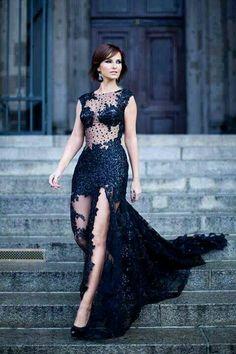 10 nejlepších obrázků z nástěnky Společenské šaty - černá  bcd4e7aa193
