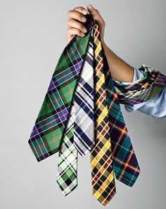 Love these plaid patterns. I think a man in a plaid tie is sexy! Sharp Dressed Man, Well Dressed Men, Estilo Fashion, Mens Essentials, Suit And Tie, Looks Cool, Swagg, Dapper, Dress To Impress