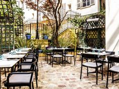 """Located in a former mill in Montmartre area, this restaurant offers classic French cuisine, based solely on fresh and seasonal products. """"Le Moulin de la Galette"""", 83 rue Lepic, Paris 18 - Tel: 01 46 06 84 77 - Menus at lunchtime: 23 & 32 € - Open every day for lunch and dinner"""