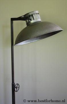 Stoere Staande Lamp Metaal Sober Robuust | BFH800