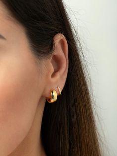 Opal Moonstone and Rose Gold Earrings, Small White Gemstone Studs, Trendy Prong Earrings in Rose Gold Fill, Summer Wedding Jewelry - Fine Jewelry Ideas Ear Jewelry, Cute Jewelry, Gold Jewelry, Jewelry Accessories, Jewellery, Accesorios Casual, Ear Piercings, Gold Earrings, Chandelier Earrings