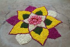 Big list Flower Rangoli Designs ideas and pictures for this ganesh chaturthi or any other Indian festivals. Learn flower rangoli designs for competition with flowers. Simple Rangoli Designs Images, Small Rangoli Design, Rangoli Designs With Dots, Beautiful Rangoli Designs, Mehndi Designs, Happy Diwali Rangoli, New Year Rangoli, Diwali Craft, Diwali Diya