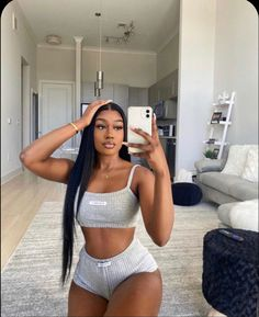 Pretty Black Girls, Beautiful Black Women, Fit Black Girl, Chill Outfits, Cute Outfits, Black Girl Aesthetic, Looks Chic, Black Girl Fashion, Black Girl Magic