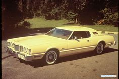 Photographs of the 1976 Ford Thunderbird. An image gallery of the 1976 Ford Thunderbird. Ford Thunderbird, Ford Mustang, Vintage Cars, Antique Cars, Famous Photos, Tonneau Cover, Lincoln Continental, Nascar Racing, Corvette