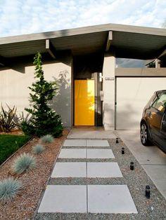 Which orange for a Mid-Century Modern front door in Beaumaris? Secret Design Studio knows mid-century modern architecture Eichler Homes, House Design, Yellow Doors, Modern Exterior, Modern House, House Exterior, Exterior Design, Modern Landscaping, House Tours