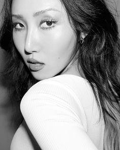 Mamamoo, South Korean Girls, Korean Girl Groups, Bts Blackpink, Portraits, Blackpink Jisoo, Rainbow Bridge, Korean Beauty, Kpop Girls