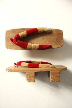 Vintage Japanese Geta or wooden sandals by TriBecasVintage on Etsy, $28.00